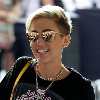 a69211896a3 Miley Cyrus in Tom Ford NASTASYA sunglasses – Celebrity Sunglasses ...