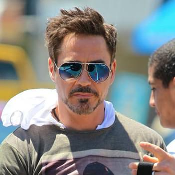 Robert Downey Jr in Carrera CARRERA 1 sunglasses - Celebrity ... 7536f2f52e